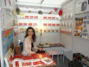 """Tatin Giannaro präsentiert ihren Roman """"Die gelbe Perlenkette"""" auf der Frankfurter Buchmesse 2011"""